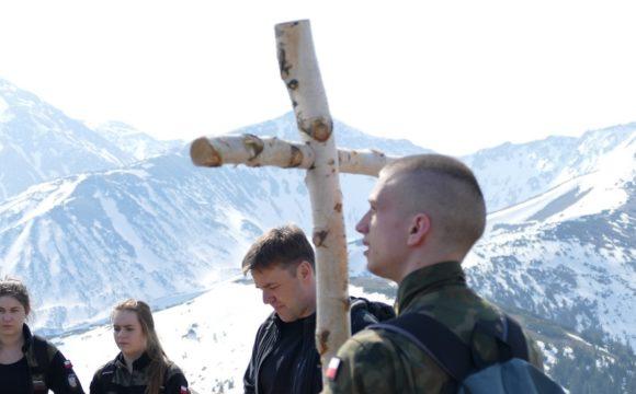 Droga krzyżowa klas wojskowych naGrzesiu wTatrach