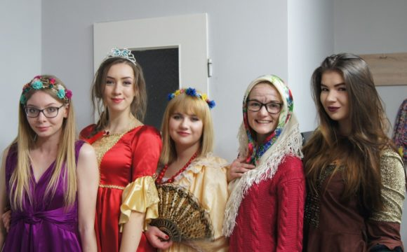 THE POLYGLOTS naXVIII Festiwalu Szkolnych Teatrów Obcojęzycznych wRzeszowie