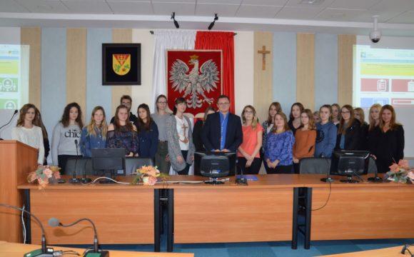 Klasa 2TE zwizytą wUrzędzie Gminy Leżajsk