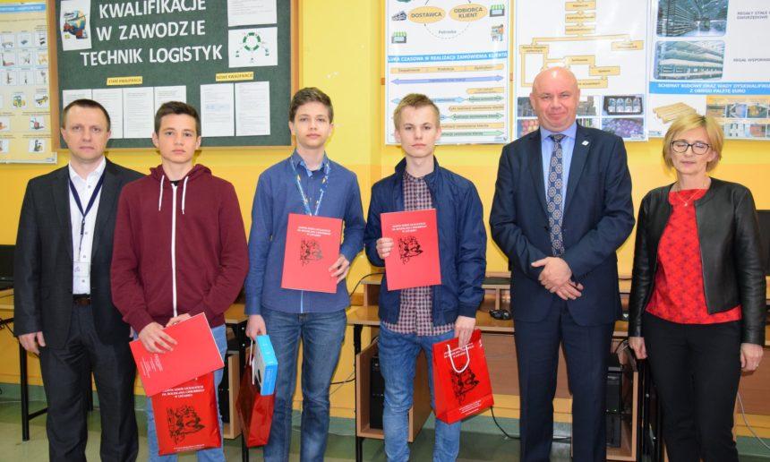 Młodzi informatycy z powiatu leżajskiego w Chrobrym