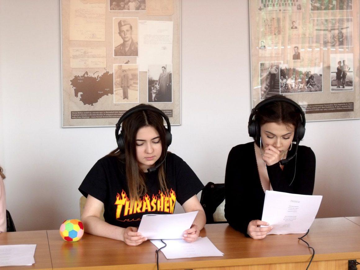 Młodzi pasjonaci języka rosyjskiego na zajęciach prowadzonych przez kadrę Uniwersytetu Rzeszowskiego