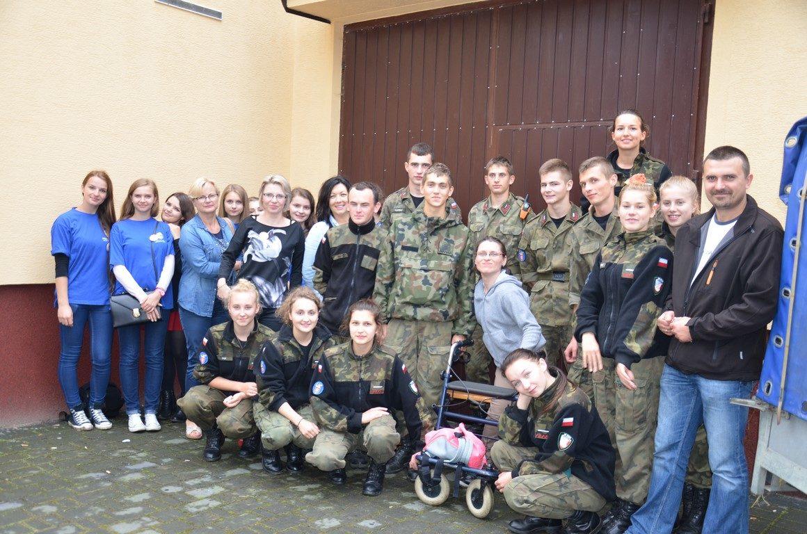 Współpraca wolontariuszy i strzelców na rzecz osób niepełnosprawnych