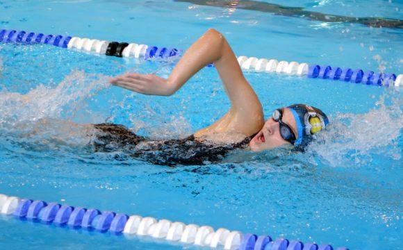 Powiatowe zawody w pływaniu