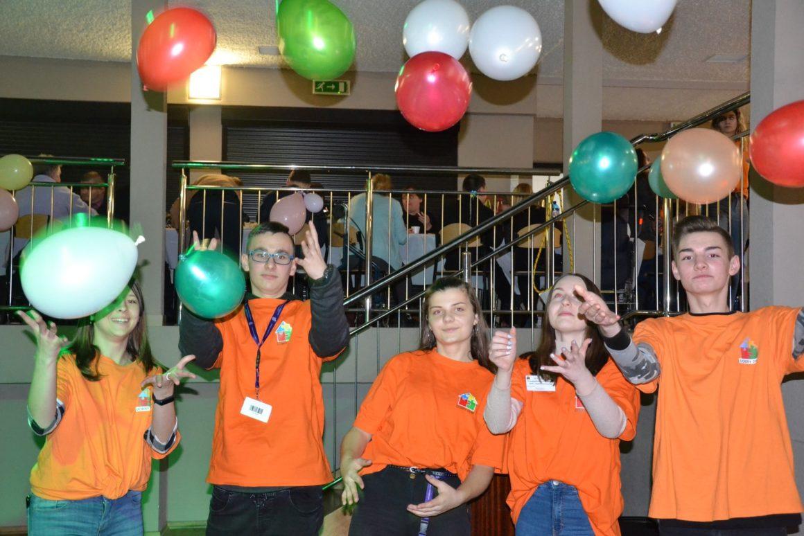 Wolontariusze z pomocą osobom niepełnosprawnym