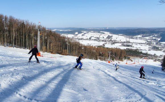 Zajęcia praktyczne z narciarstwa zjazdowego